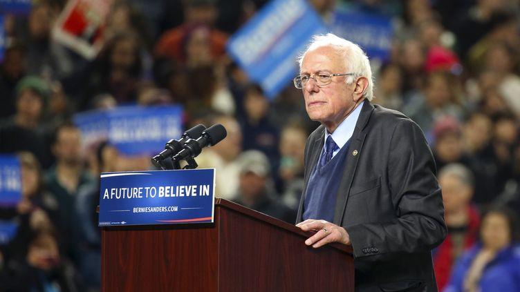 Le candidat à la primaire démocrate Bernie Sanders lors d'un meeting à Seattle (Washington, Etats-Unis), le 25 mars 2016. (DAVID RYDER / REUTERS)