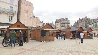Limoges a ressorti ses chalets de Noël pour y accueillir des restaurateurs de la ville. (FRANCE 3 / CAPTURE D'ECRAN)