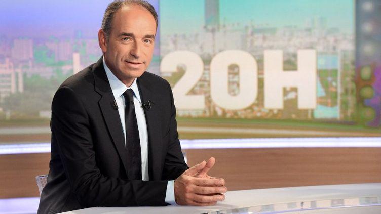 Le président démissionnaire de l'UMP, Jean-François Copé, sur le plateau du 20 heures de TF1, le 27 mai 2014. (PIERRE ANDRIEU / AFP)