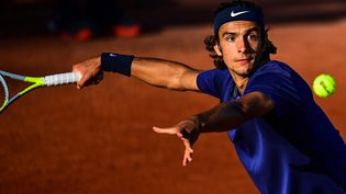 Lorenzo Musetti s'est qualifié pour les huitièmes de finale de Roland-Garros. (MARTIN BUREAU / AFP)