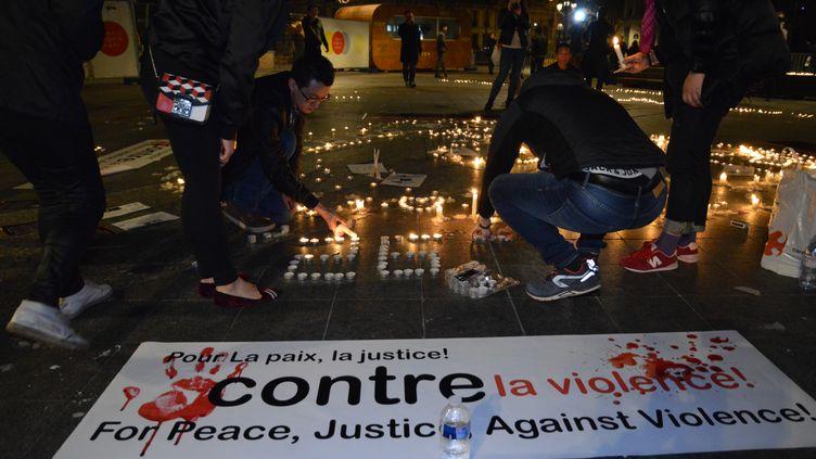 Des messages en mémoire de Liu Shaoyo, devant l'hôtel de ville de Paris, le 29 mars 2017. (CITIZENSIDE/ALPHACIT NEWCIT / CITIZENSIDE)