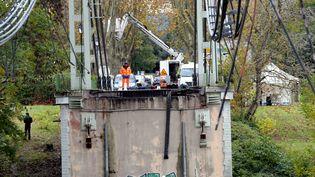Le pont effondré de Mirepoix-sur-Tarn (Haute-Garonne), lundi 18 novembre 2019. (MAXPPP)