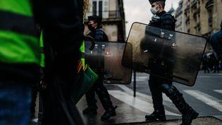 Manifestation de gilets jaunes à Paris, le 19 décembre 2020. (JAN SCHMIDT-WHITLEY/LE PICTORIUM / MAXPPP)