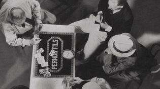 """""""Marius"""" (1931) de Marcel Pagnol : la partie de cartes  (Films Marcel Pagnol / The Kobal Collection)"""