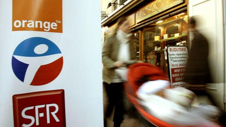Orange et SFR ont été condamnés à une amende respective de 117,5 et 65,7 millions d'euros, jeudi 13 décembre. (ERIC GAILLARD / REUTERS)