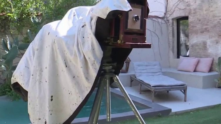 Photographie : un jeune photographe parcourt la France avec un vieil appareil photo (CAPTURE D'ÉCRAN FRANCE 3)