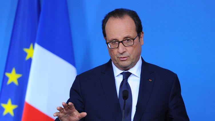 François Hollande s'exprime à l'issue d'un sommet européen à Bruxelles (Belgique), le 31 août 2014. (DURSUN AYDEMIR / ANADOLU AGENCY / AFP)