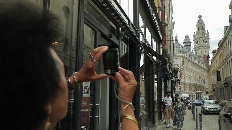 Le site greeter.fr rassemble des passionnés adeptes de partage et de rencontre : ils font volontiers visiter leur ville ou village à des touristes de passage gratuitement. (CAPTURE ECRAN FRANCE 2)