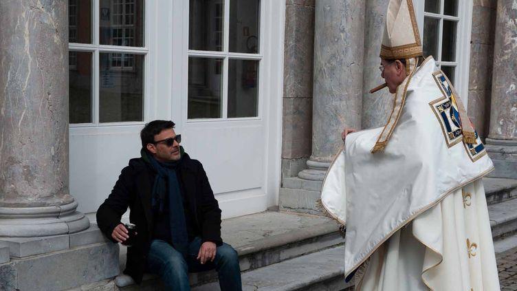 """François Ozon et François Marthouret sur le tournage de """"Grâce à Dieu"""" de François Ozon  (Mars Films)"""