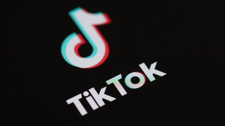 Le président américain Donald Trump a annoncé son intention d'interdire le réseau social TikTok aux Etats-Unis, vendredi 31 juillet 2020. (MARTIN BUREAU / AFP)