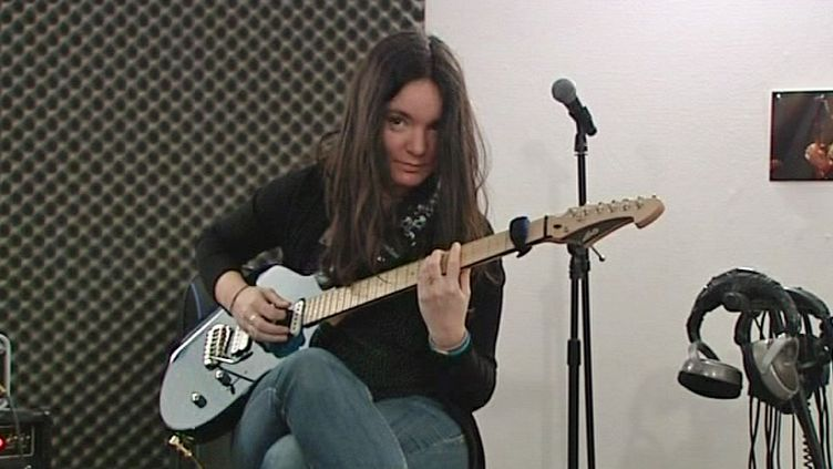 Anouck André, jeune virtuose de la guitare  (France 3 / culturebox)
