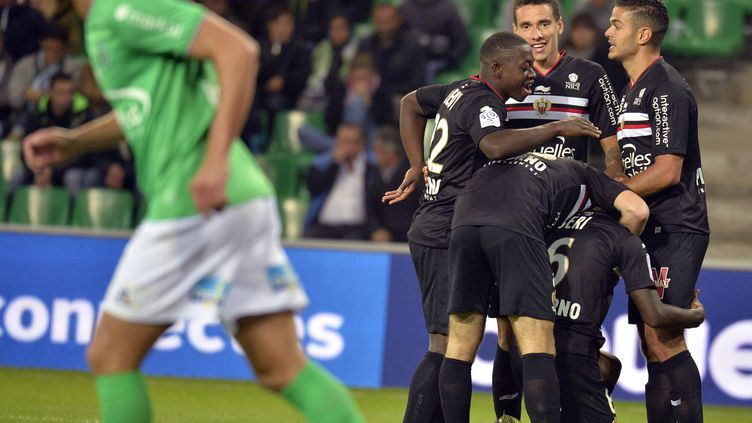 Les Niçois se sont baladés à Saint-Etienne. (JEAN-PHILIPPE KSIAZEK / AFP)