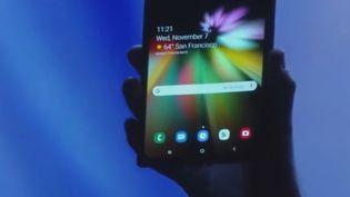 Un smartphone. (France 2)