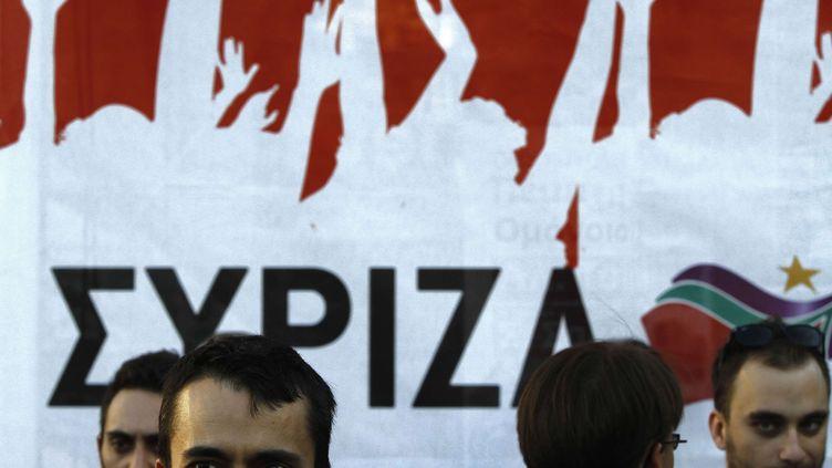 Des militants de la coalition de gauche radicale Syriza lors d'un meeting de son dirigeant Alexis Tsipras, le 14 juin 2012 à Athènes (Grèce). (PETROS KARADJIAS / AP / SIPA)