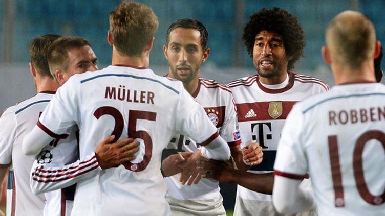Thomas Muller félicité par ses coéquipiers pour son but contre le CSKA Moscou