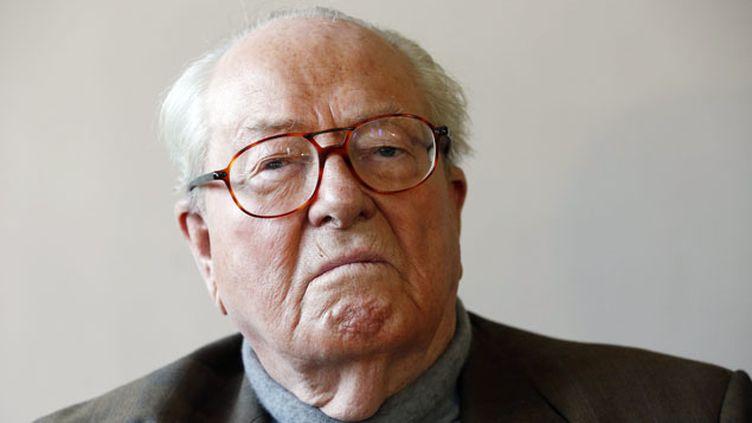 (Jean-Marie le Pen a été légèrement blessé au visage dans un incendie  © maxPPP)