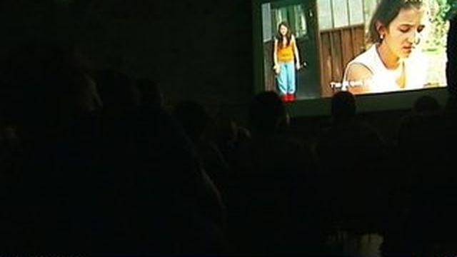 En campagne, le cinéma ambulant ravit les habitants