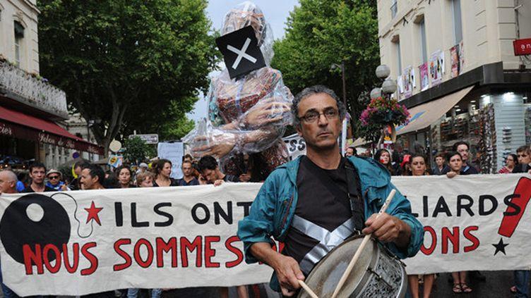 Marche des intermittents à Avignon le 4 juillet 2014, jour de l'ouverture du festival.  (Boris Horvat / AFP)