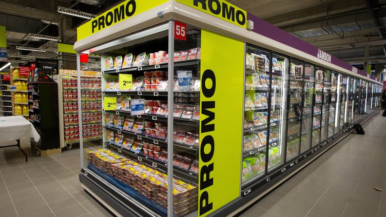 Un supermarché Auchan à Tremblay-en-France (Seine-Saint-Denis), le 16 octobre 2013 (ROMUALD MEIGNEUX / SIPA)