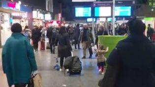 Grève à la SNCF : 6 000 enfants à quai (CAPTURE D'ÉCRAN FRANCE 3)