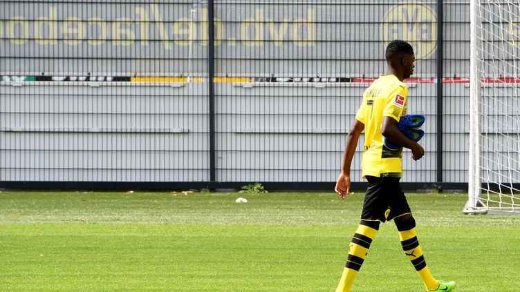 Direction le FC Barcelone pour Ousmane Dembélé (PATRIK STOLLARZ / AFP)