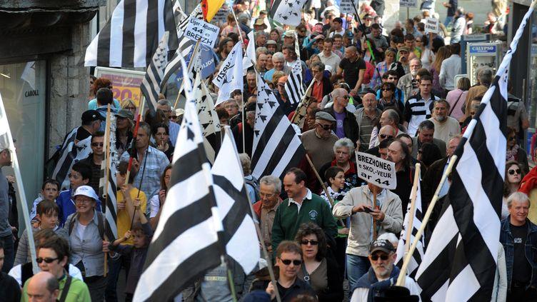 Manifestation à Quimper (Finistère)pour la sauvegarde et la défense du breton, le 31 mars 2012. (FRED TANNEAU / AFP)
