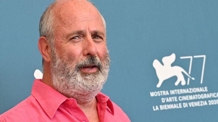 """Roger Michellen promo du film """"The Duke"""" présenté hors compétition au 77e Festival du film de Venise (Italie), le 4 septembre 2021. (ALBERTO PIZZOLI / AFP)"""