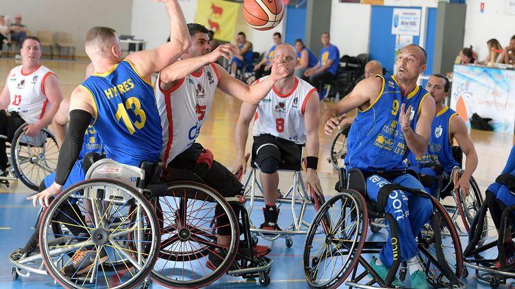 Match de basket handisport entre les équipes de Saint-Avold et de Hyères. Photo d'illustration. (CHRISTIAN LANTENOIS L'UNION/L'ARDENNAIS / MAXPPP)