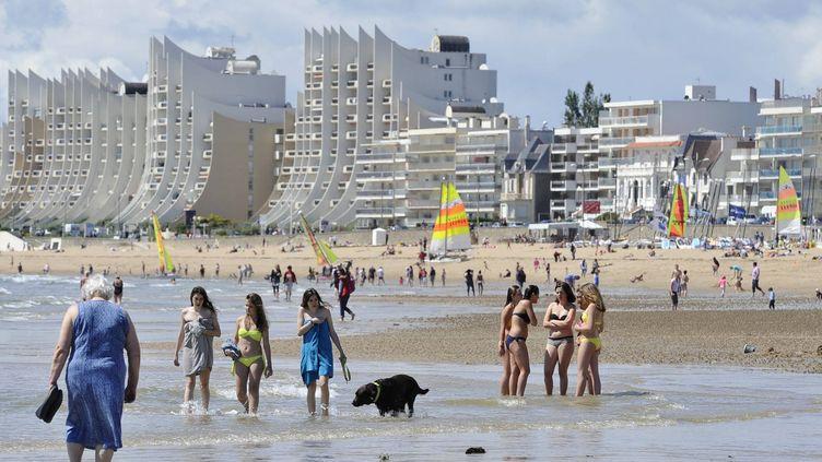 Des touristes sur les plages de La Baule (Loire-Atlantique), le 30 mai 2014. (MAXPPP)