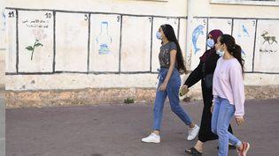 Des élections générales se tiennent au Maroc le 8 septembre 2021. Chaque parti a son emblème, la lampe pour les islamistes du PJD, la rose pour le parti du progrès et du socialisme (PPS).Khemisset, le 5 septembre 2021.  (JALAL MORCHIDI / ANADOLU AGENCY)
