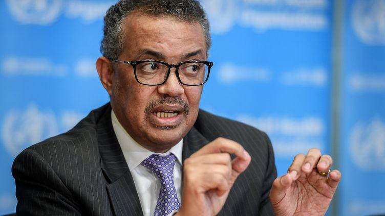 Le directeur général de l'Organisation mondiale de la santé (OMS), Tedros Adhanom Ghebreyesus, s'exprime lors d'un point-presse quotidien sur le virus Covid-19 au siège de l'OMS, à Genève, le 9 mars 2020. (FABRICE COFFRINI / AFP)