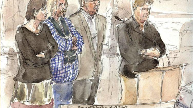 Dessin d'audience des quatre prévenus présents au procès de l'Arche de Zoé, le 3 décembre 2012 à Paris. De gauche à droite : la journaliste Marie-Agnès Pèleran, le logisticien Alain Péligat,le Dr Philippe Van Winkelberg et Christophe Letien. (BENOIT PEYRUCQ / AFP)