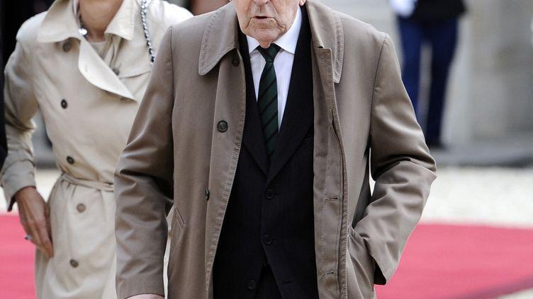 L'ancien résistant Louis Cortot arrive au Palais de l'Elysee à Paris le 15 mai 2012, pour assister a la cérémonie d'investiture du nouveau président de la République François Hollande. (LIONEL BONAVENTURE / AFP)