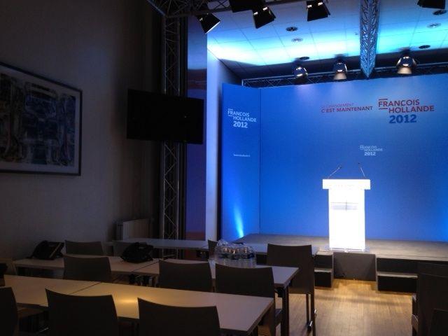 La salle du centenaire au QG de François Hollande (NG)