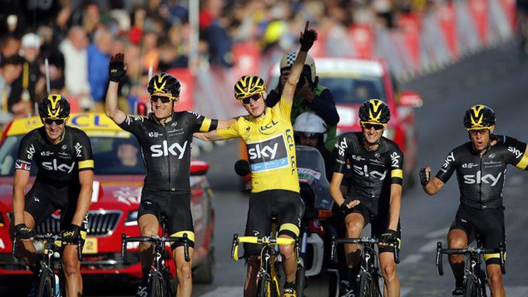 (La victoire de Froome sur les Champs-Elysées dimanche © REUTERS/Stephane Mahe)