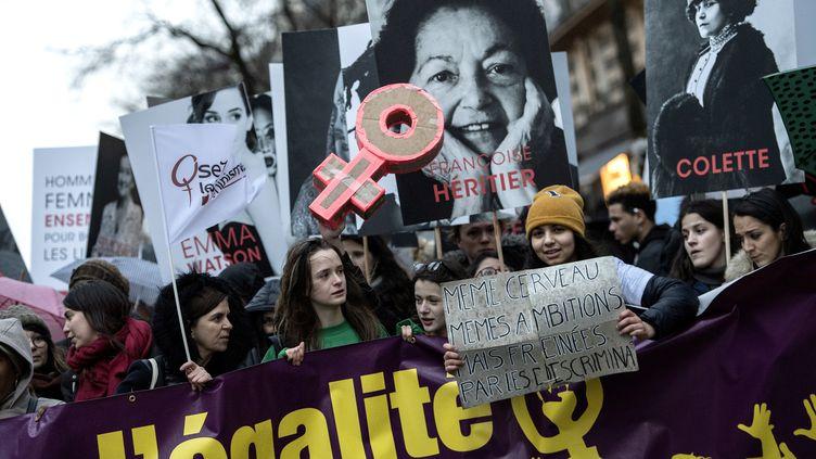 Cortège à Paris pour l'égalité entre les femmes et les hommes, le 8 mars 2018. (CHRISTOPHE ARCHAMBAULT / AFP)
