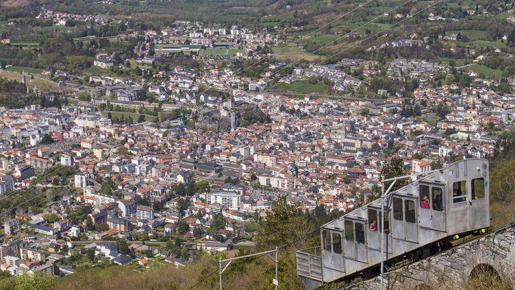 Le funéculaire reliant Lourdes (Hautes-Pyrénées) au Pic du Jer, le 15 avril 2014. (BARRERE JEAN-MARC / HEMIS.FR / AFP)