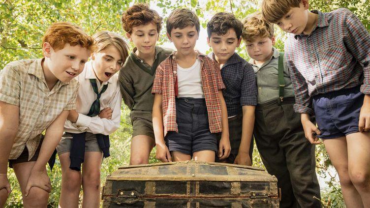 """Le Petit Nicolas (Ilan Debrabant) entouré de ses camarades dans """"Le trésor du Petit Nicolas"""" de Julien Rappeneau. (JEROME PREBOIS)"""