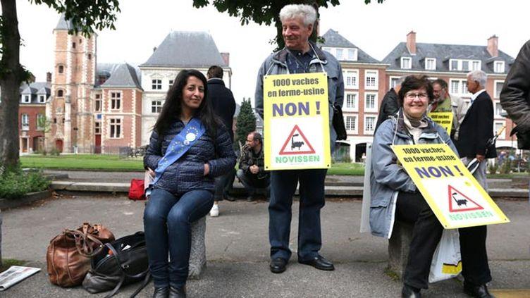 (© MaxPPP / Des militants étaient déjà venus apporter leur soutien aux interpellés en mai.)