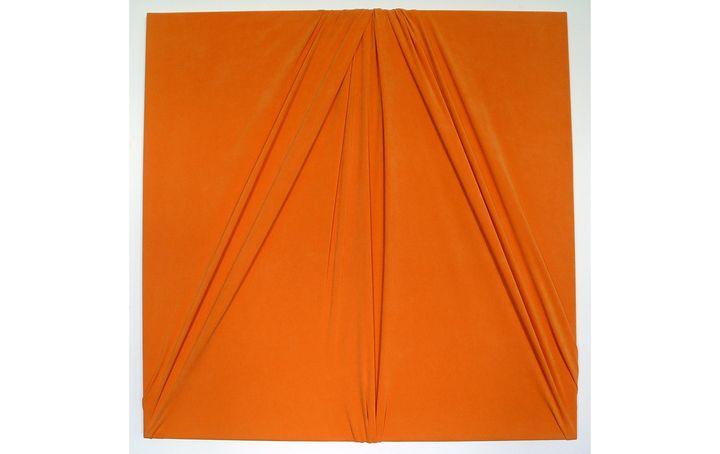 """""""Dazzle"""" deRaphaël Bidault Waddington (tissus plissé). (© Raphaële Bidault-Waddington)"""