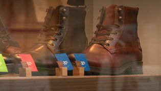 Chaussures en chute libre (FRANCEINFO)