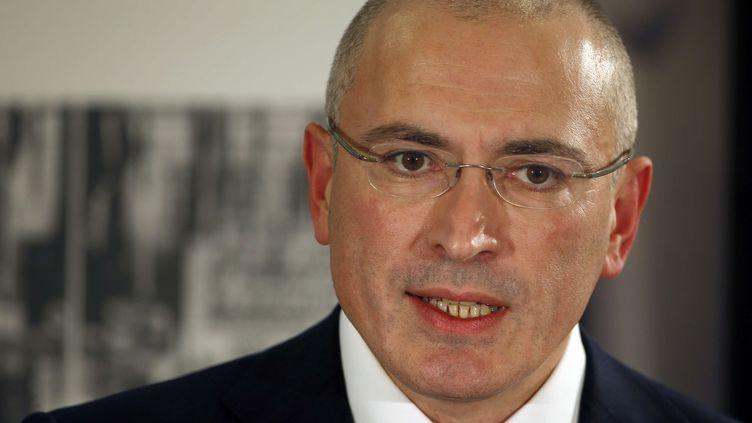 Mikhail Khodorkovski à Berlin, le 22 décembre 2013, juste après sa libération. (MICHAEL SOHN / AP / SIPA)
