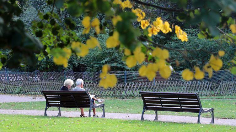 Depuis 1997, c'est la baisse de la mortalité après 70 ans qui tire les gains d'espérance de vie. (JEAN-MARC LOOS / MAXPPP)