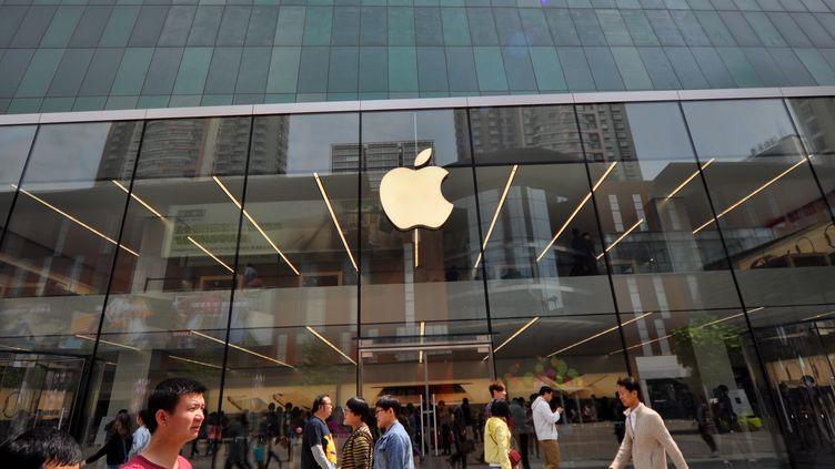 Un magasin Apple à Shenyang (Chine), le 10 mai 2015. (YAN BO / IMAGINECHINA / AFP)