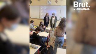 VIDEO. Malvoyante, elle va au collège pour la première fois avec son chien-guide (BRUT)