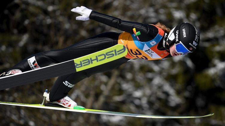 Alors que des Coupes du monde masculines de combiné nordique existent depuis 1991, c'est la première fois que les femmes participent à cette compétition. (HENDRIK SCHMIDT / DPA-ZENTRALBILD)