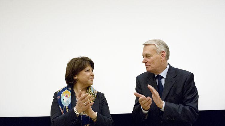 Martine Aubry et Jean-Marc Ayrault lors d'une réunion du PS à l'Assemblée nationale, à Paris, le 22 mai 2012. (FRED DUFOUR / AFP)