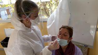 Le personnel soignant des instituts médico-éducatifs est exclu des accords du Ségur de la santé. (E. Zini / France Télévisions)