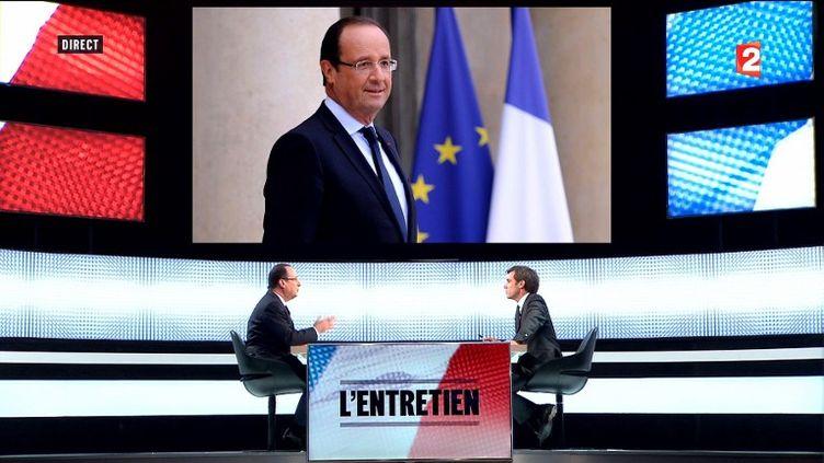 François Hollande, le 28 mars 2013, à France Télévisions, pour un entretien avec David Pujadas. (FRANCE 2 / AFP)