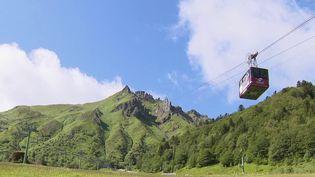 Puy-de-Dôme : le téléphérique du Sancy rouvre et accueille ses premiers touristes  (FRANCE 3)